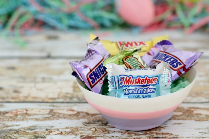 These edible chocolate bowls are perfect for holding all your Easter candy