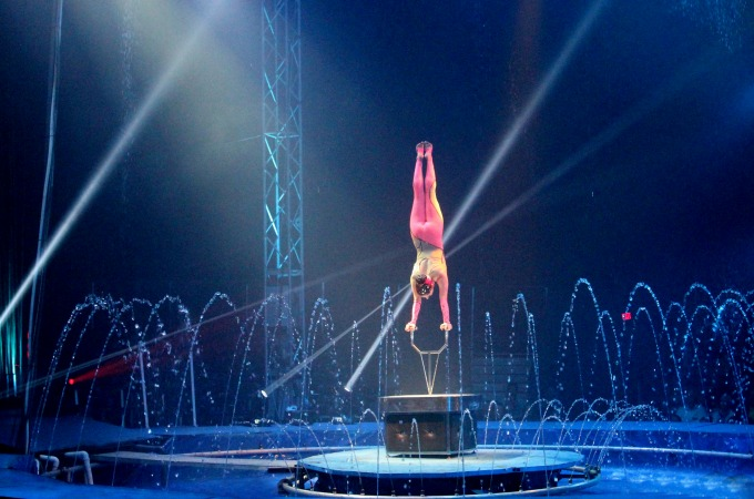 Cirque Italia features performers from around the world