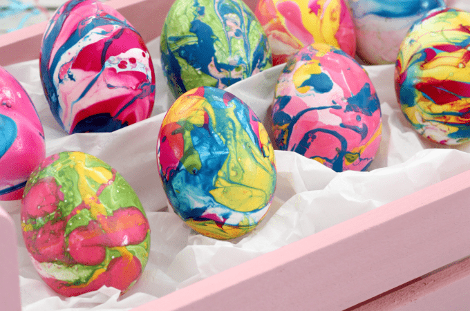 How To Make Marbled Easter Eggs With Nail Polish (without the big mess)
