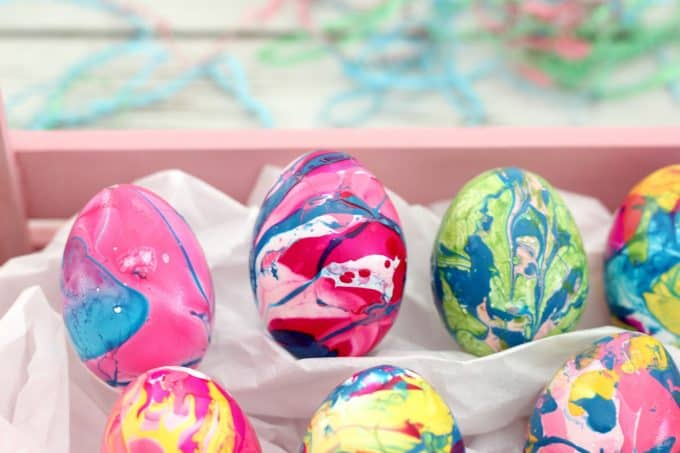 Marbleized eggs is one of my new favorite Easter egg decorating ideas
