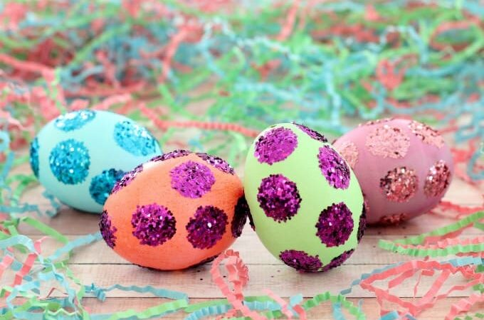 polka dot easter eggs feature