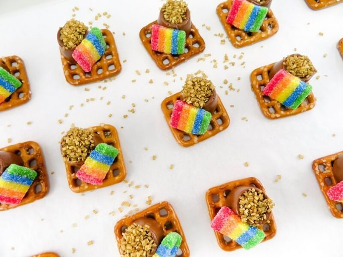 St. Patrick's Day Treat Ideas - Pot Of Gold Pretzels