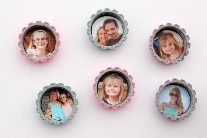 Once the paint dries, you'll want to add pictures to your photo craft.