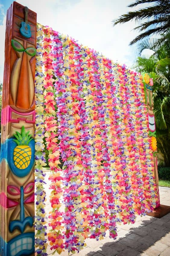 Floral entrance for a Moana party