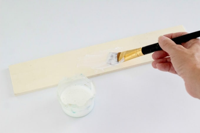 Painting wooden board with Mod Podge