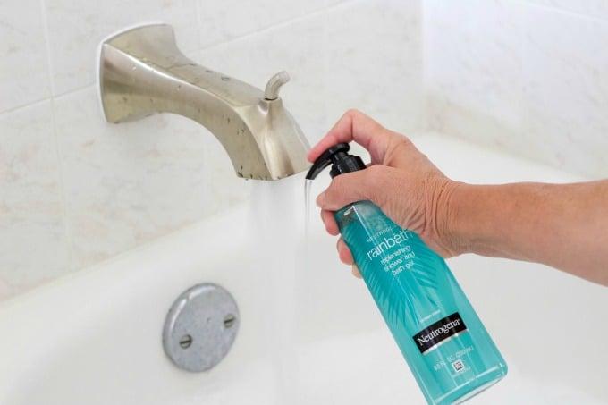 Use Neutrogena Rainbath to make a bubble bath for your at home spa day