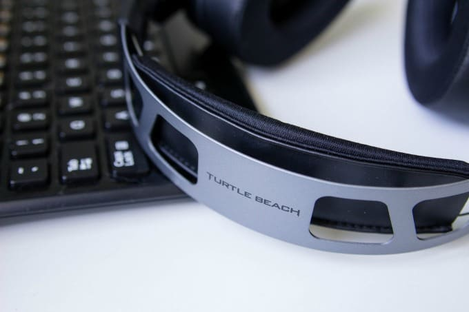 The headband on the Elite Atlas is sleek but stylish