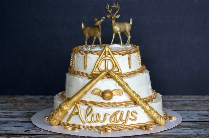 How To Make A Magical Harry Potter Cake