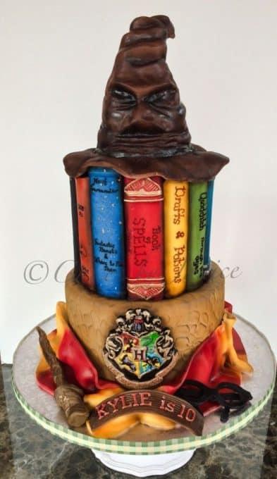 Professional Harry Potter cake