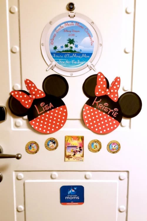 Decorations for cruise door
