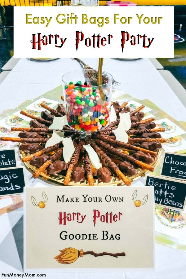 Harry Potter Gift Bags - Throwing a Harry Potter party? These Harry Potter goodie bags filled with chocolate frogs, edible wands, Bertie Botts jellybeans and more will be the hit of your Harry Potter birthday party! #harrypotter #harrypottergiftbags #harrypotterparty #harrypotterbirthday #harrypottergoodiebags #harrypotterfood