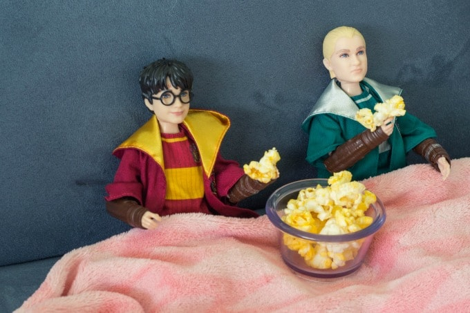 Harry Potter dolls with popcorn