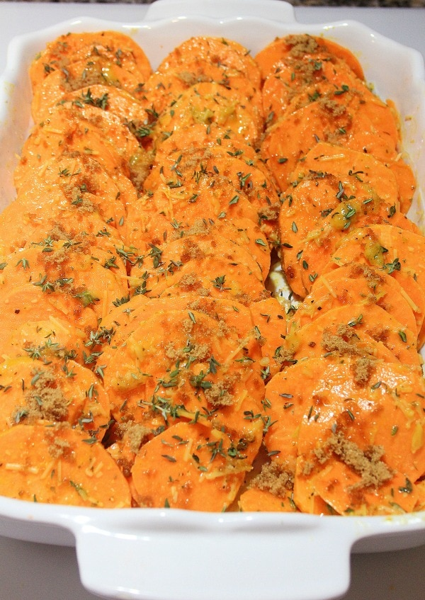 Sweet potatoes with thyme and brown sugar on top