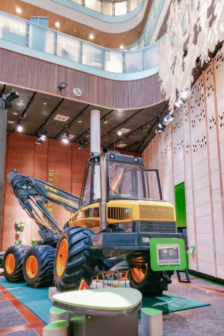 There aren't many more family friendly things to do in Rovaniemi than climb aboard this giant tractor