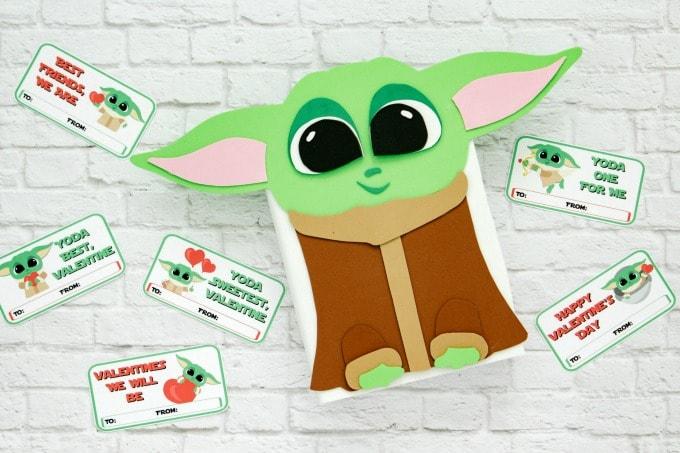 Baby Yoda Valentine Box brick