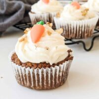 Cake Cupcakes With Cream Cheese Frosting