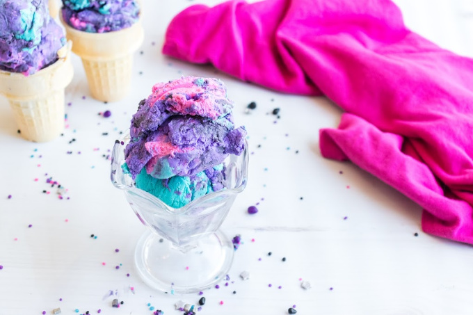 Galaxy ice cream in glass dish
