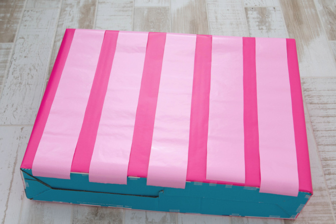 Pink striped pattern for ice cream stand