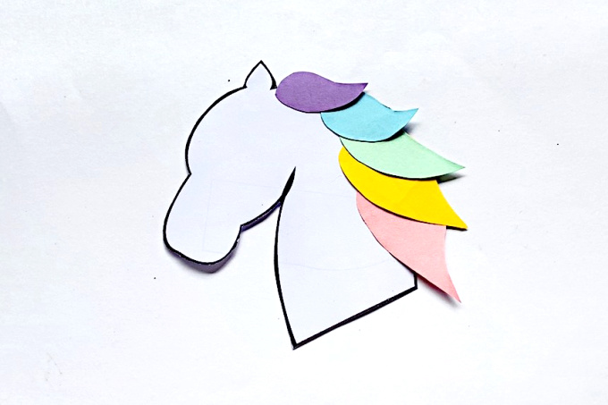 Paper unicorn mane for bookmark