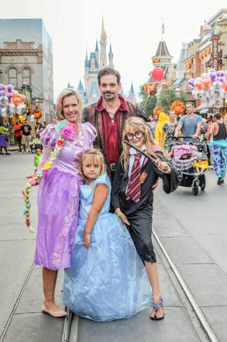 Family costumes for Disney