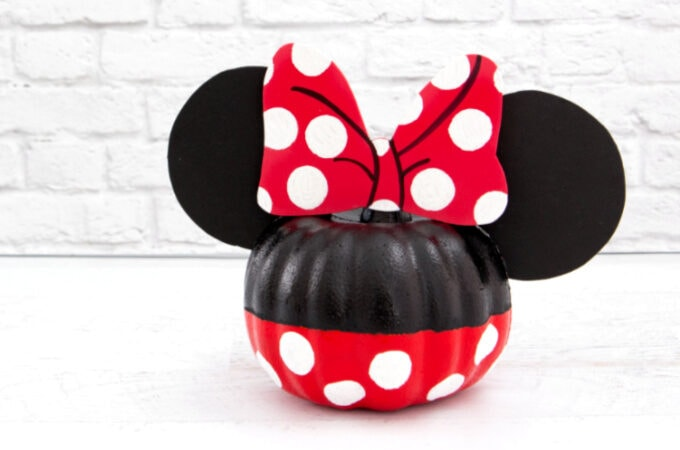 Minnie Mouse Pumpkin feature