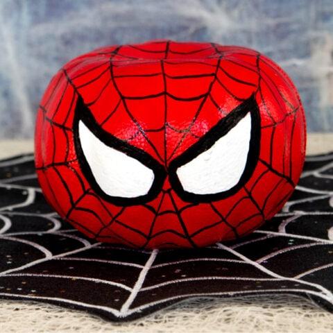 Spiderman pumpkin sq 680