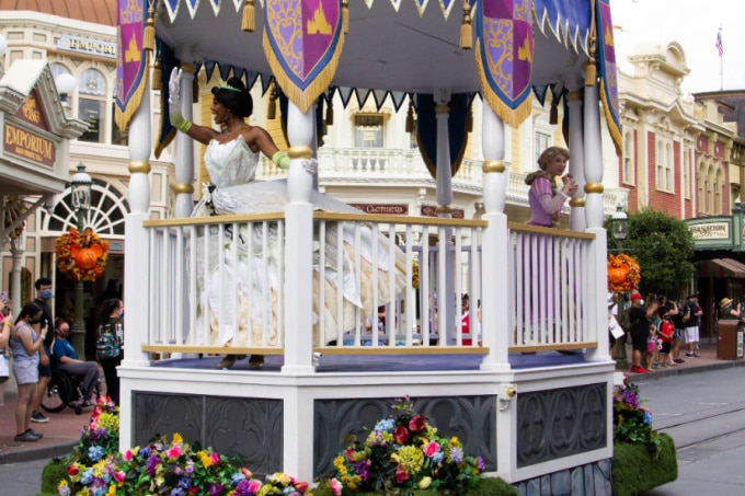 Princess Tiana on a Disney float