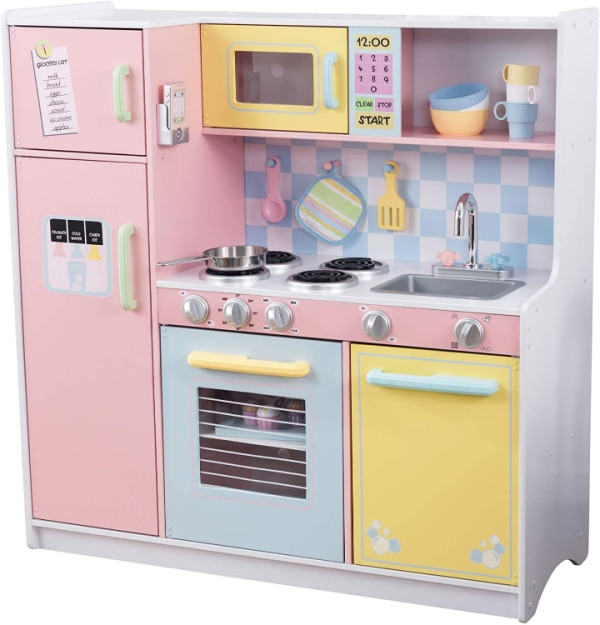 Kidkraft Kitchen: one of the hottest toys for Christmas 2020
