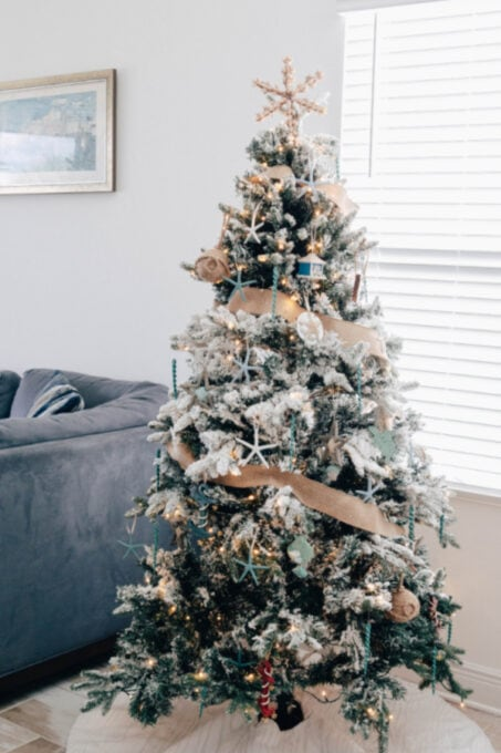 Nearly-Natural-Christmas-Tree-with-coastal-theme