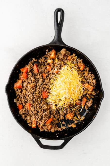 Ground beef topped with cheese